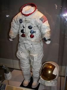 Apollo A7L Space Suit Helmet - Pics about space