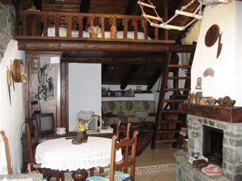 cottage in montagna arredare un monolocale in montagna idee casa di cagna
