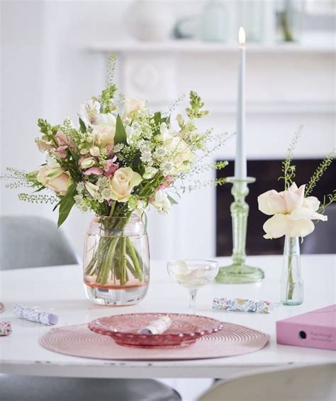 wedding flowers the floral trends for 2019 wedding ideas magazine