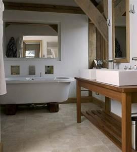 Holz Im Badezimmer : waschtisch aus holz und andere rustikale badezimmer ideen ~ Lizthompson.info Haus und Dekorationen