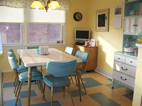 retro kitchen decor ideas hugs and keepsakes vintage retro kitchen re do