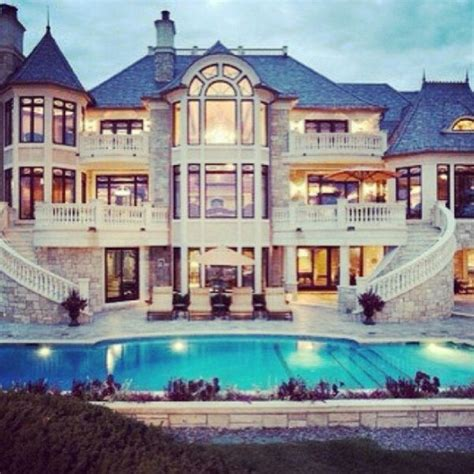 pictures of big mansions