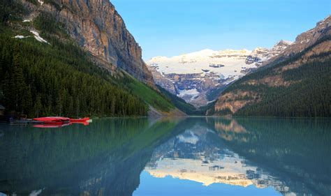 Lake Louise Holidays In Alberta Canada Canadian Affair