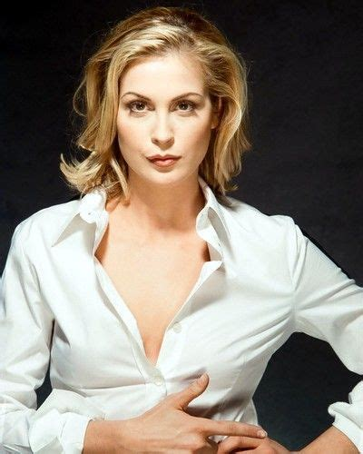 kelly rutherford bio height weight measurements
