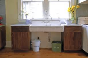 Wall Hung Utility Sink by Project Planning Inside Arciform