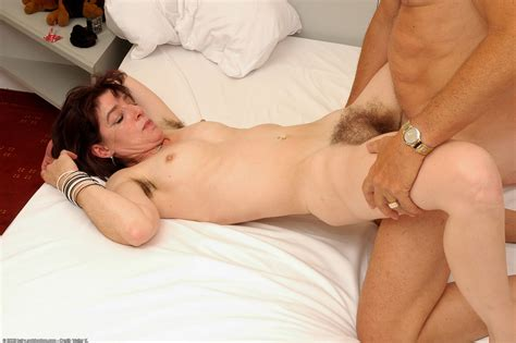 Amateur Brunette With Hairy Twat Enjoys Doggystle And Missionary Fucking