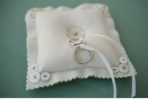 creative diy ring bearer pillow ideas