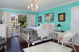 tiffany blue room would love this as a closet color