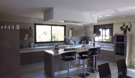 modele de cuisine moderne avec ilot central cuisine en image