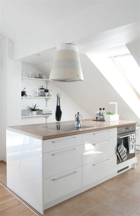 Küche Dachgeschoss Ideen by Kleine K 252 Che Einrichten Perfekte Organisation Beim