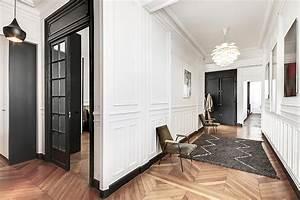 un appartement haussmannien moderne et design blog deco With tapis de couloir avec mesure d un canapé d angle