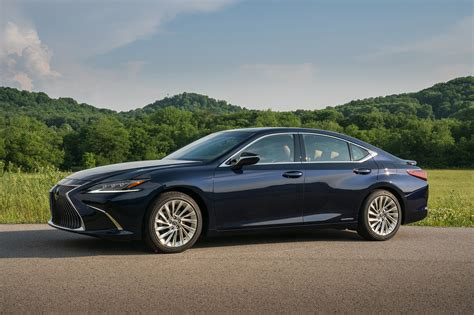 Gallery 2019 Lexus Es 300h  Automobile Magazine