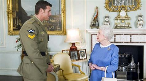 most decorated australian soldier australian soldier ben smith meets elizabeth