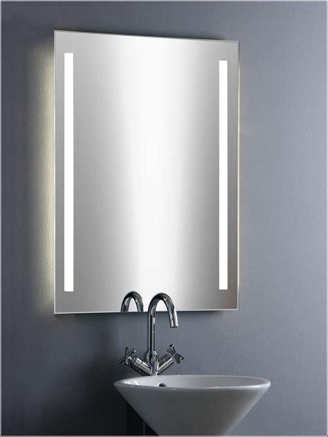 Badezimmer Spiegel Mit Beleuchtung  Beleuchthung House