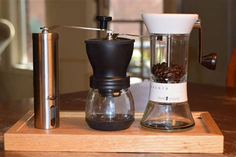 Top 3: Best Manual Coffee Grinders ? Ground Coffee Photos!