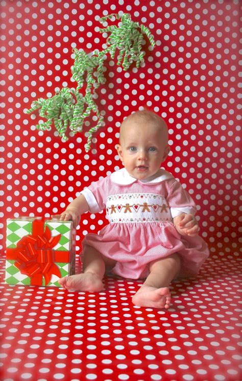 Diy Photo Backdrop With Wrapping Paper by Wrapping Paper Backdrop Easy Baby Picture Idea For