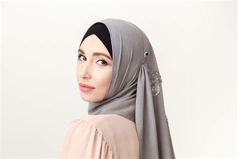 warna hijab  wajib dimiliki hijaber newbie