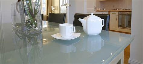 choosing glass countertops