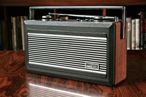 ROBERTS R900 TRANSISTOR RADIO - Radio Retro