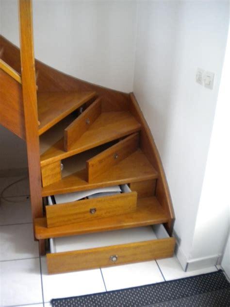 comment peindre du carrelage de cuisine revger com escalier avec rangement tiroir idée