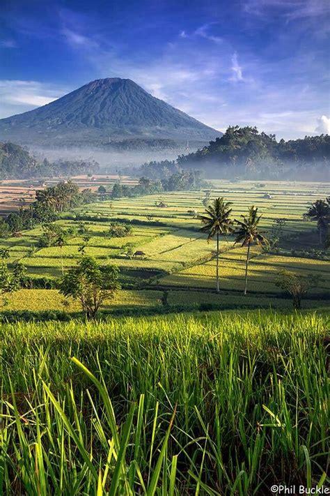 bali gunung agung   background  indonesia