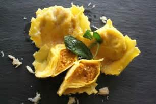 ricetta ravioli di zucca mantovani la ricetta perfetta tortelli mantovani di zucca mostarda