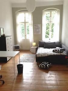 Haus Von Schwarz Und Weiß : top eingerichtetes schlafzimmer die kombination von schwarz und wei ist ein beliebter ~ A.2002-acura-tl-radio.info Haus und Dekorationen