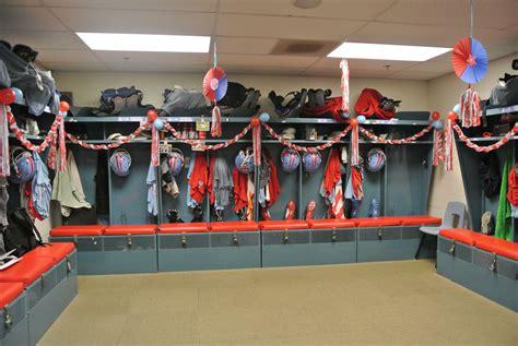 Locker Room Decorating For Football High Schools