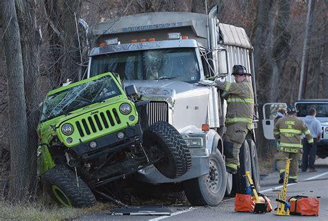 gallery jeep  dump truck crash photo galleries cumberlinkcom