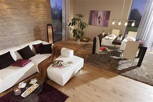 Im wohnzimmer muss alles gemutlich sein vom boden uber for Beige couleur chaude ou froide 4 wohnzimmer esszimmer beige braun steinwand laminat