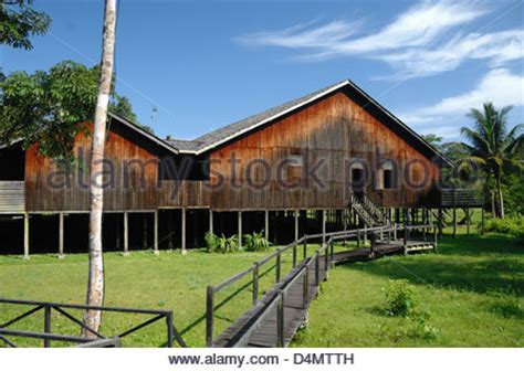 communal wooden  timber longhouse   iban tribe