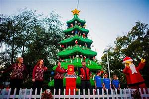 BEST THEME PARKS THAT DECORATE FOR THE HOLIDAYS