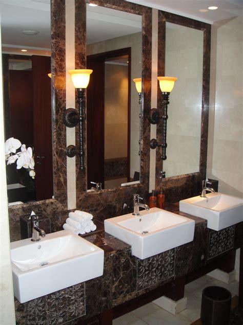 Im Bad by Orientalisches Badezimmer