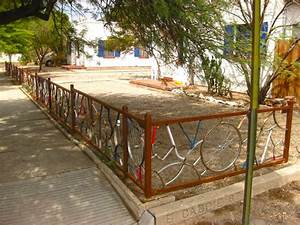 20 Ways To Repurpose Bicycles Into Fences
