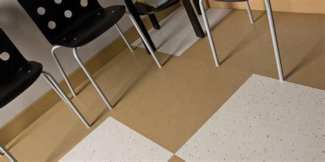 Roppe Rubber Tile 900 Series by Safetcork Vinyl Tile Roppe