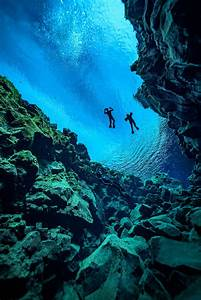Dive inside the Icelandic fissure where 2 continents meet ...