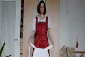 video dirndlschuerze schleife richtig binden