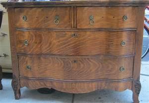 Uhuru Furniture Collectibles Tiger Oak 1920s Dresser SOLD