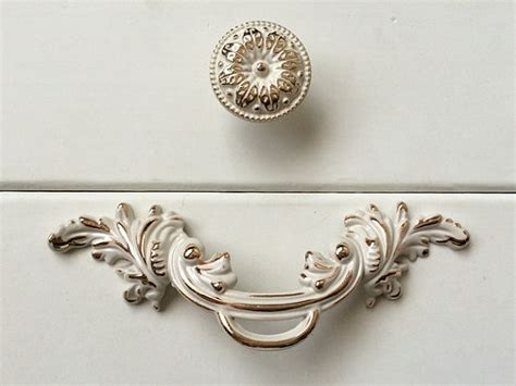 shabby chic door knobs 2 5 shabby chic dresser knobs pulls drawer pull by aroserambling