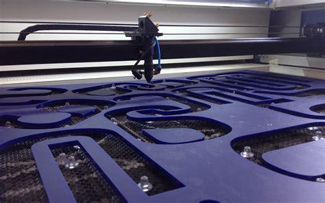 gravure  decoupe laser par europub fabrication denseignes