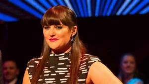 Sharyn Casey in tears after trolls comment on her ...