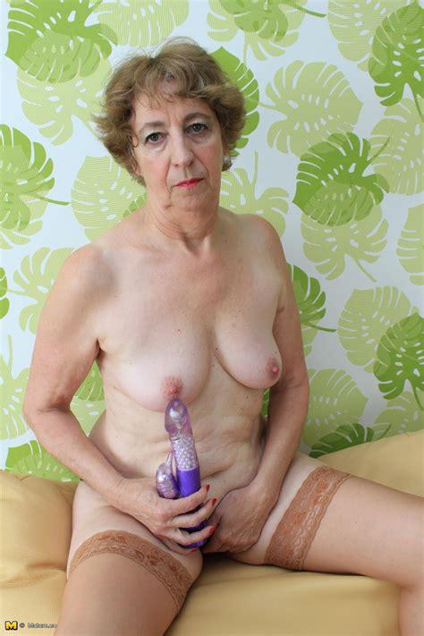 German Mature Slut Having Sex With Herself