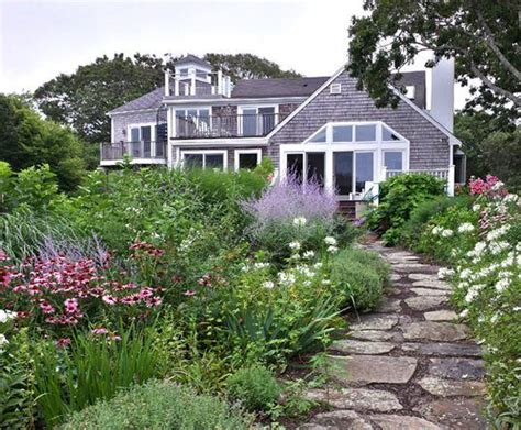 cape cod garden 1000 images about cape cod style landscape designs on pinterest gardens vineyard and walkways