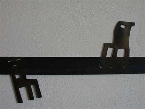 Wandschutz Und Rammschutz Mit Gelaserten Stühlen Für Eine