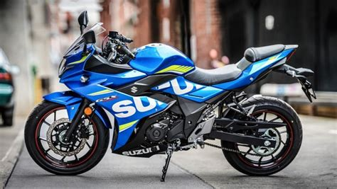suzuki gsx  review humble commuter rocks superbike style