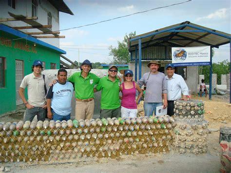 baumaterial in mexiko h 228 user aus plastikflaschen bauen mit pet