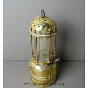 Lampe En Cuivre : ancienne lampe de mineur en cuivre dor le palais des bricoles ~ Carolinahurricanesstore.com Idées de Décoration