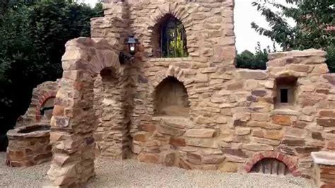 gartenmauer als gestaltungselement freshouse rustikale gartenmauer coppo di domenica farbe assisi