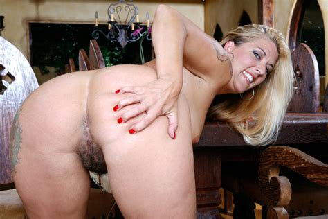 blonde joclyn stone fucking in the table with her big ass