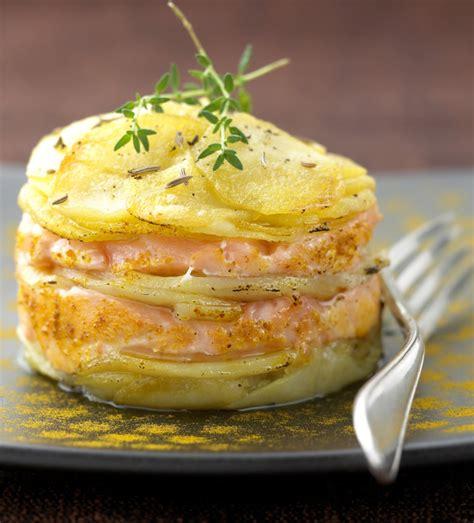 mille feuille de pomme de terre au saumon une recette de